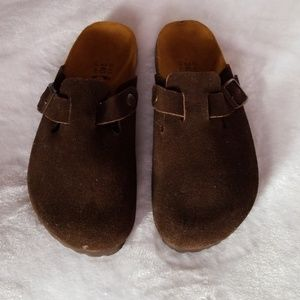 Betula birkenstocks seede boston mules in mocha